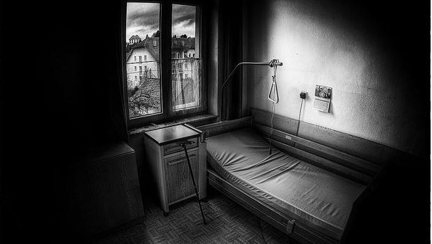 altes Krankenzimmer, schwarzweiß