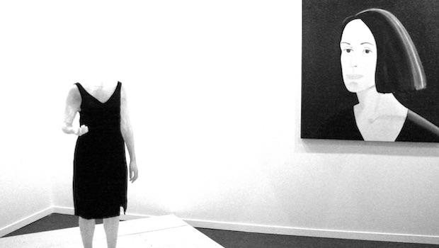 Ausstellung Bild Frauenkopf Figur kopflos