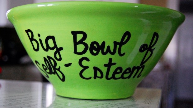 grüne Schüssel Big Bowl of Self Esteem