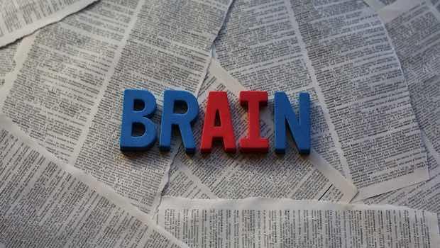 Brain Schrift Zeitungen