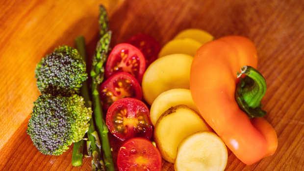 Paprika, Brokkoli, Kartoffel, Tomaten aufgeschnitten