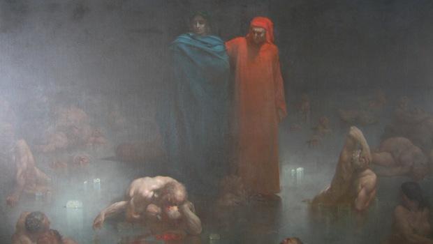 rote und blaue Figur in nebliger Umgebung