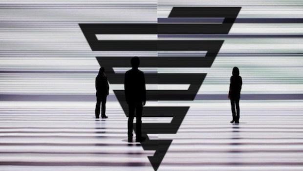 Dreieck drei Menschen als Schatten