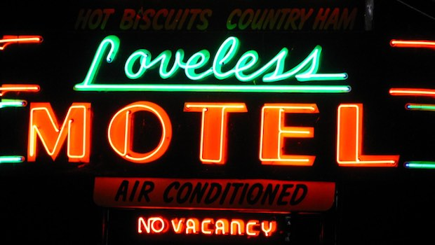 Loveless Motel Leuchtschrift