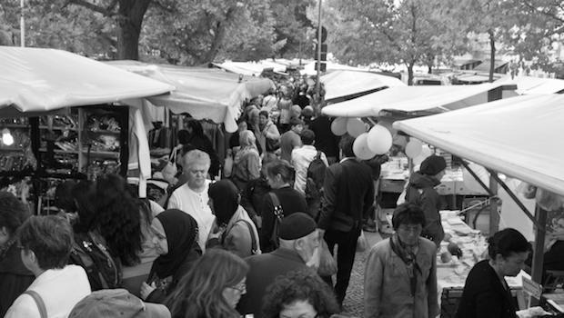Menschenmenge auf dem Markt