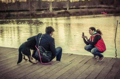 Paar See Hund Handyfoto