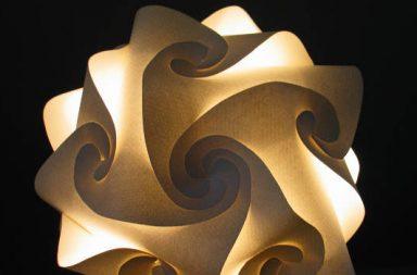 Papierlampe verschlungen, indirektes Licht