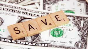 Scrabble Wort SAVE Dollarnoten