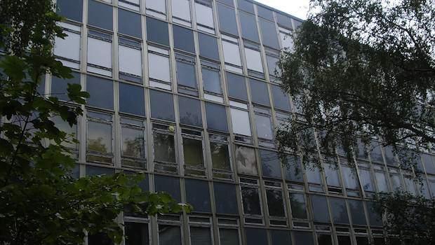 verfallenes Schulgebäude