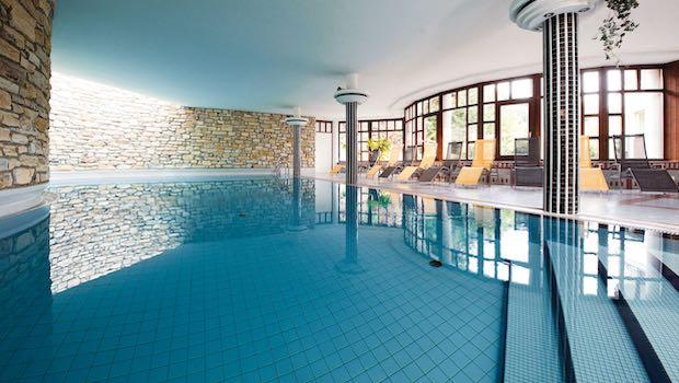 Schwimmbad Wellnesstempel
