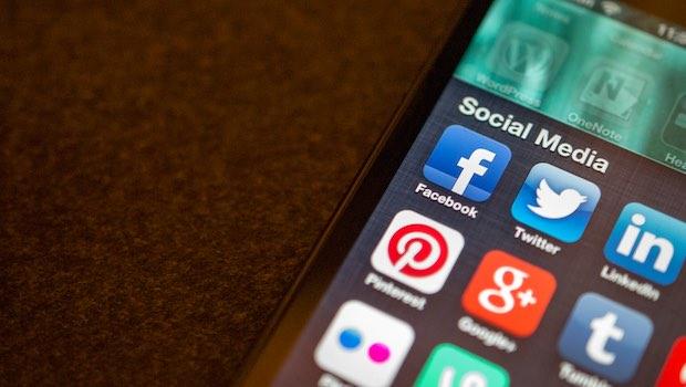 Social Media Apps Handy
