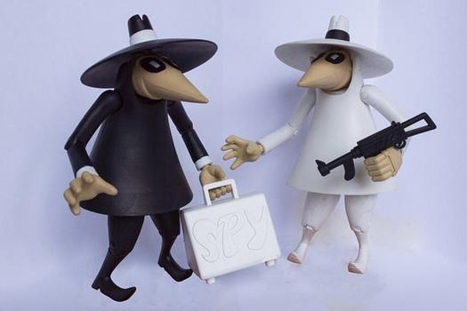 schwarze und weiße Spionpüppchen