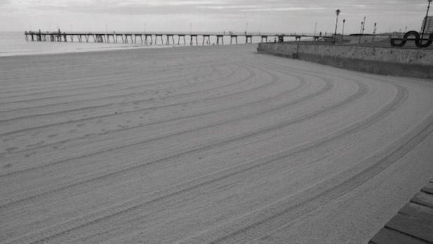 geharkter Strand