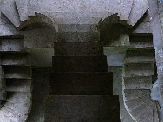 gegenläufige Treppenstufen