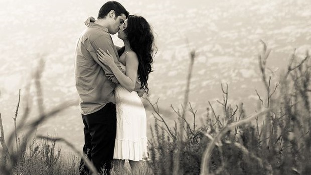 verliebtes Paar, schwarzweiß