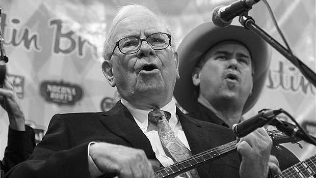 Warren Buffett mit Gitarre